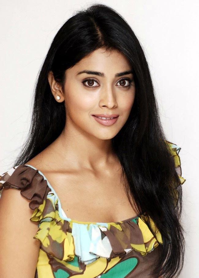 Actress shriya Latest Photo Gallery