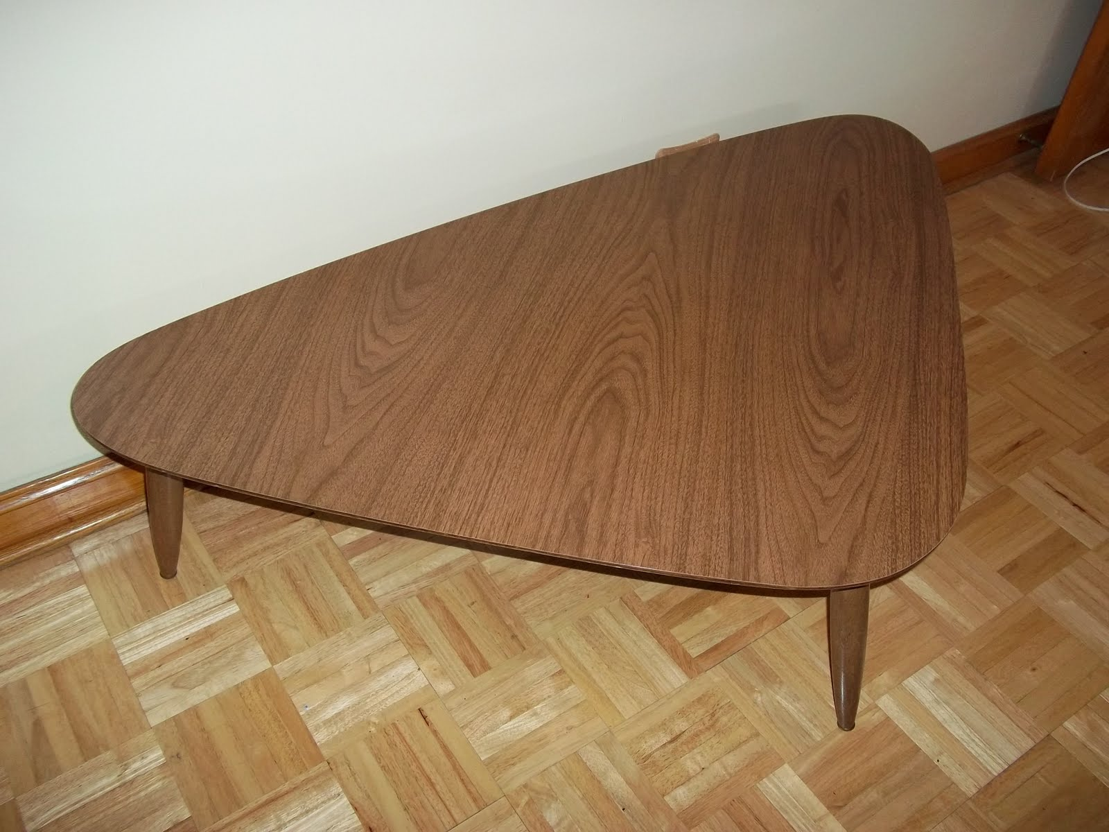 mod about you Mid Century Boomerang Coffee Table $100