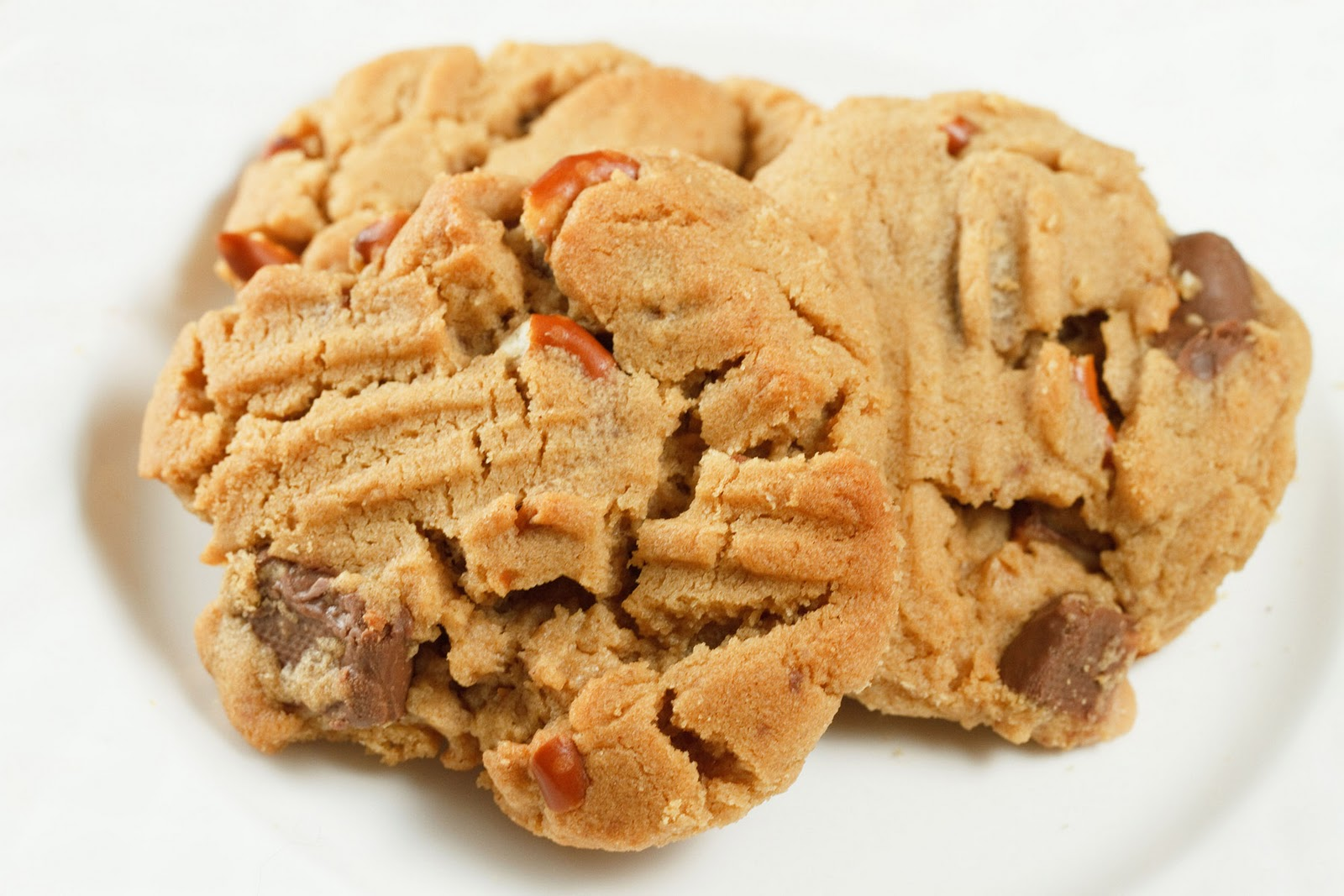 Toffee Pretzel Peanut Butter Cookies from Chef Dennis on ...