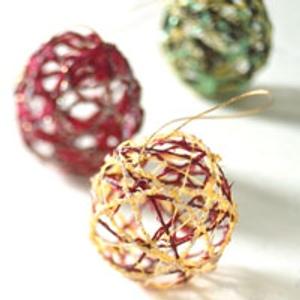 DIY Bolas de Navidad con lana