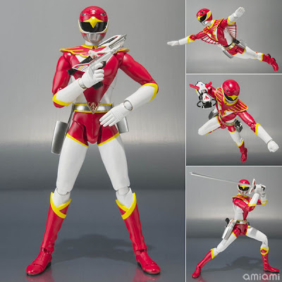 SH FiguArts Red Hawk