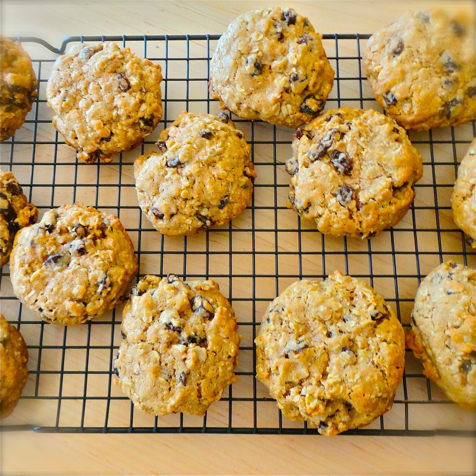 BinomialBaker: Oatmeal Raisin Cookies-with a twist!