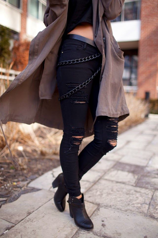 Urban outfitters slouchy trench, Brave Leather Chain belt, Black ripped Frame Denim
