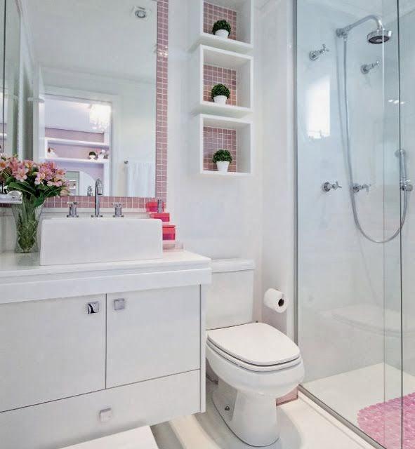 PRATELEIRAS E NICHOS NO BANHEIRO  Papo de Design -> Banheiro Decorado Com Prateleiras De Vidro