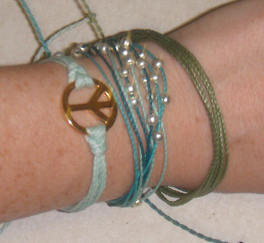 I Love Fun And Fashionable Jewelry Pura Vida Bracelets Are Just That They A Great Way To Make Fashion Statement What Does Mean Though