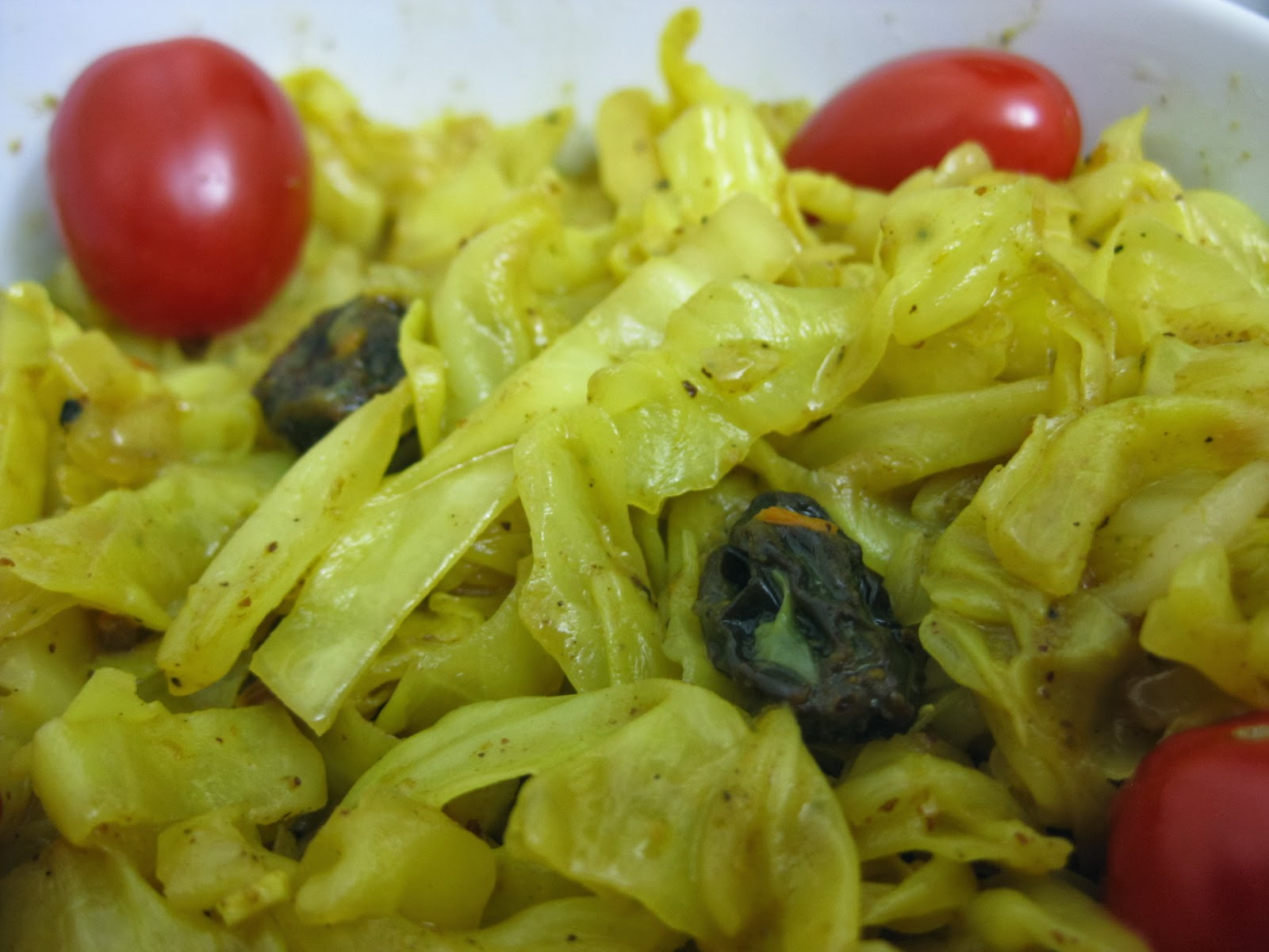 Yellow Curried Cabbage with Raisins