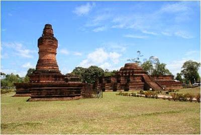http://gallery-wisata.blogspot.com/2015/05/objek-dan-tempat-wisata-sejarah-candi-muara-takus-di-pekanbaru.html