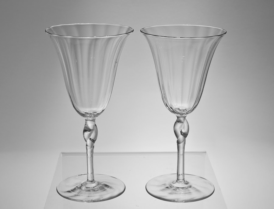 Fine Pair of Ribbed Tall Wine/Champagne Glasses