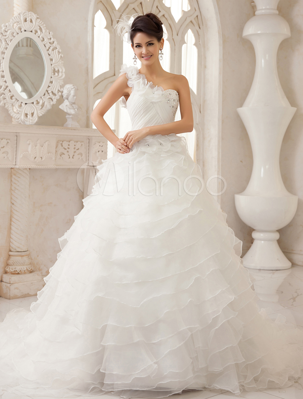 Ivory A-line One-Shoulder Ruched Court Train Organza Bridal Wedding Dress