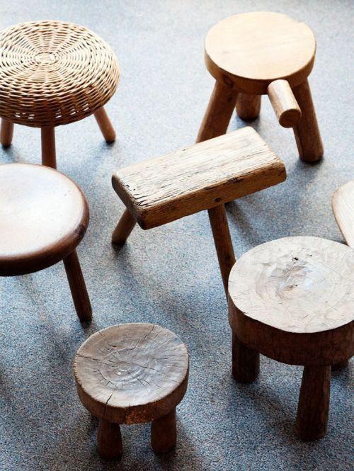 banquinhos de madeira reutilizada