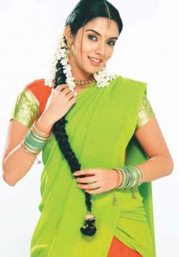 Asin Hot in Saree Photos