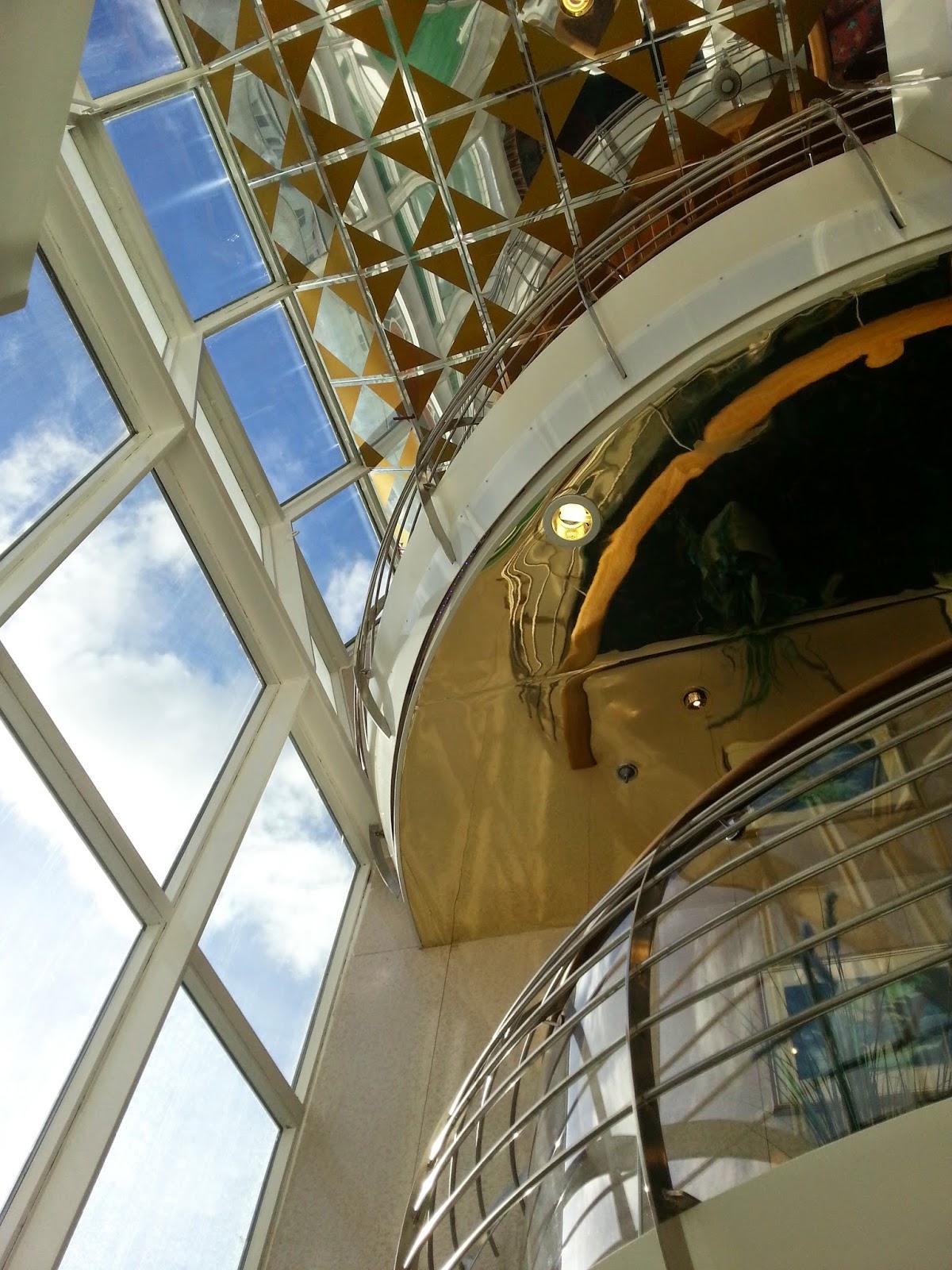 Hurtigruten MS Polarlys - Atrium