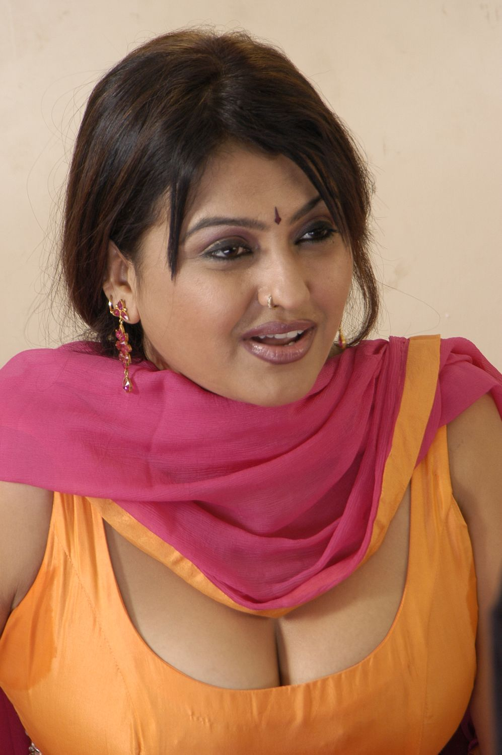Ann hot aunty photos