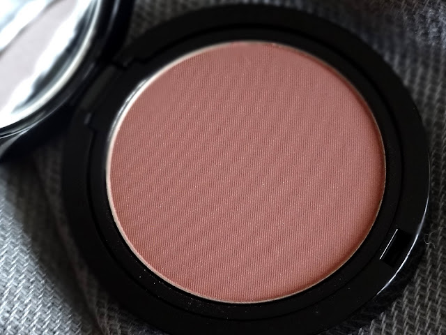 Giorgio Armani Cheek Fabric Sheer Blush in Daybreak #506