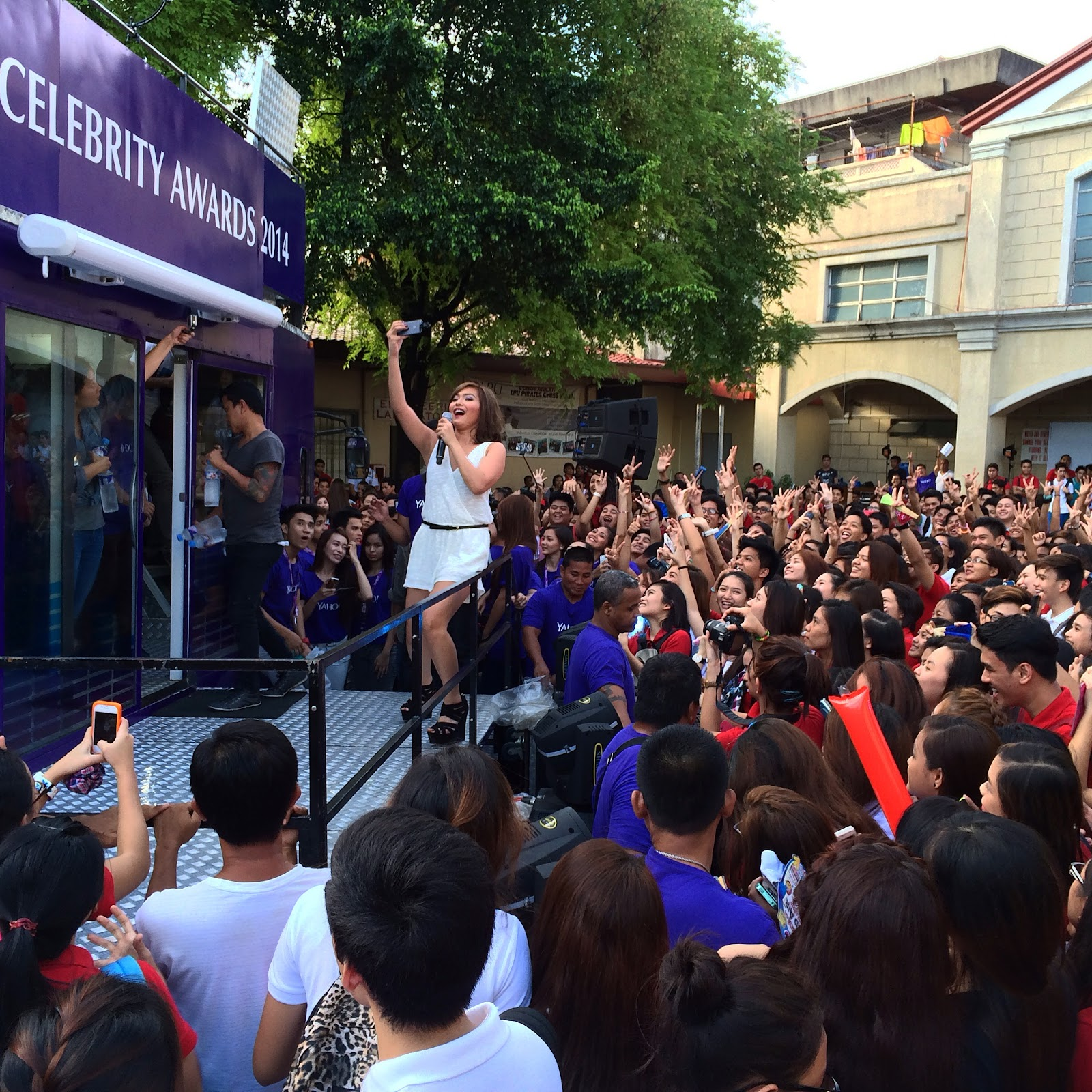 Joyce Pring takes selfie with LPU Pirates during the Yahoo on the Road Tour at Lyceum University