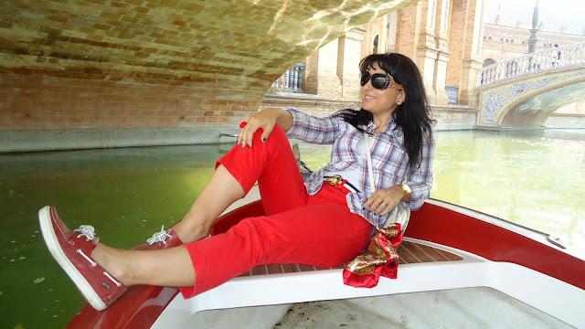paseo-en-barca-por-la-plaza-de-espana