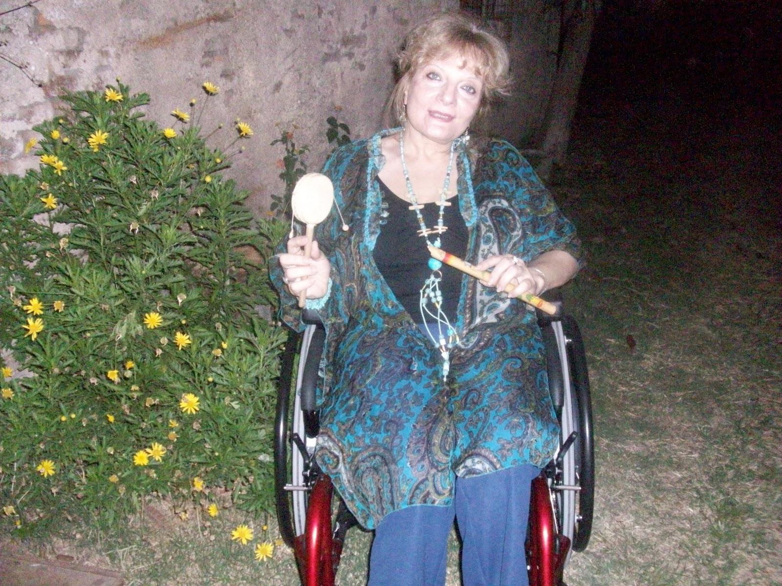 http://4.bp.blogspot.com/-W-b6BzhzR7w/TtSi8iYoa8I/AAAAAAAAAyE/ZjXsCVCBCok/s1600/Adriana+Cantale.jpg