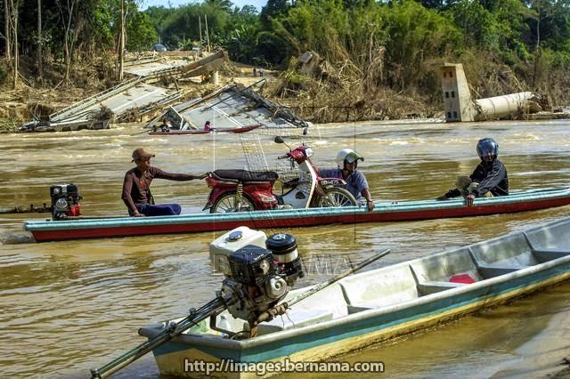 Bot jadi pengangkutan utama selepas banjir baru baru ini