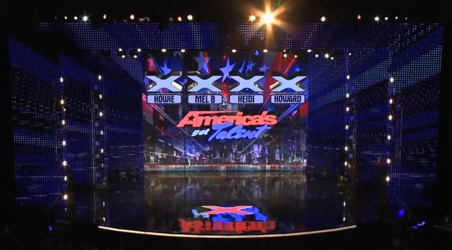 Sucesso no You tube. Chinês surpreende no America's Got Talent. Muito Show!