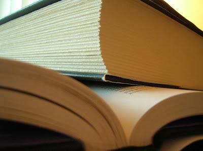 قصة قصيرة -08- large-book.jpg