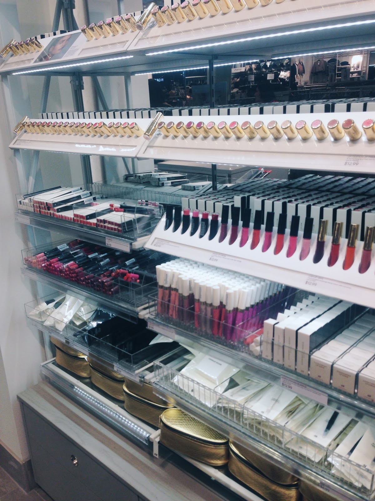 Discover Ongles Queen Nails store @ Montreal Eaton Centre Get a pedicure & manicure in Montreal Find Ongles Queen Nails discounts, deals & jobs here.