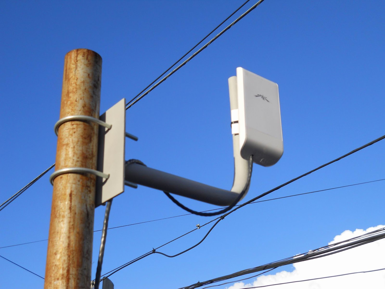 Lolotelco morseteria casera para antenas - Soporte para antena ...