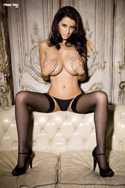 Sammy Braddy Nude Picture