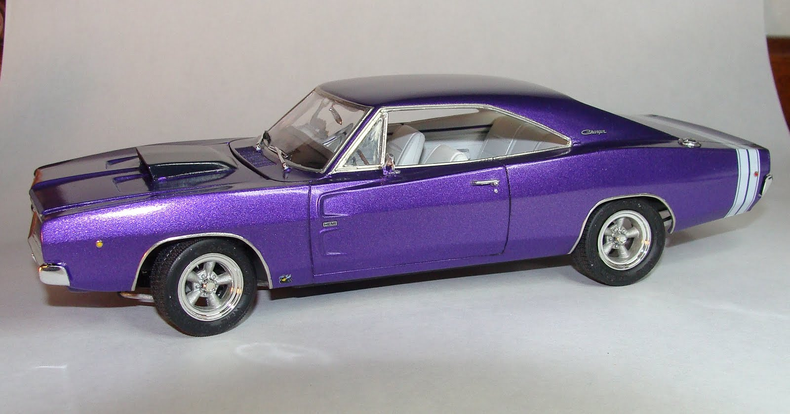 Model cars 1968 dodge charger r t hemi