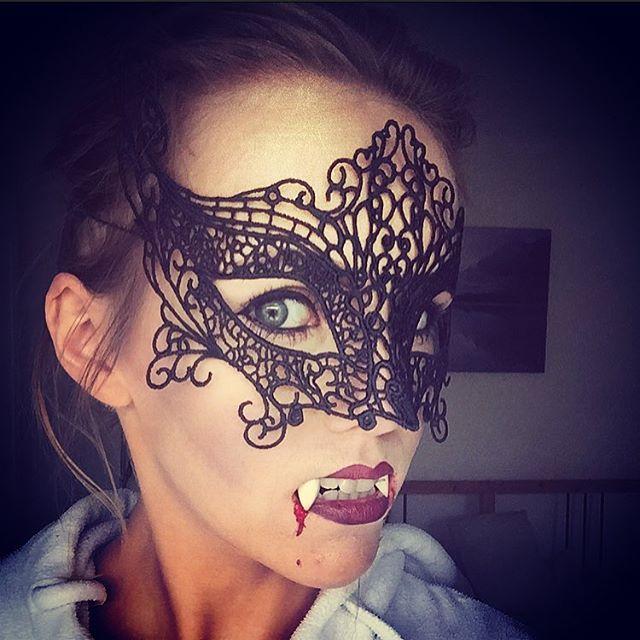 halloween make up vampira