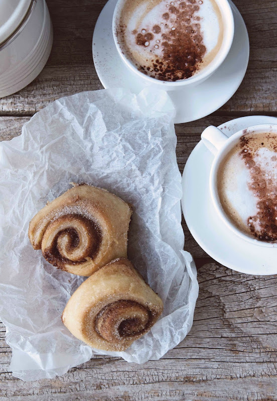 how to keep cinnamon rolls from getting hard