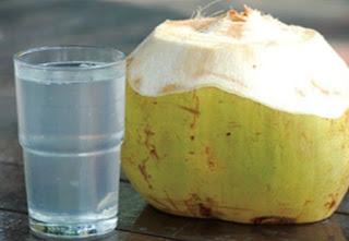Manfaat Air Kelapa Untuk Diet Sehat Alami