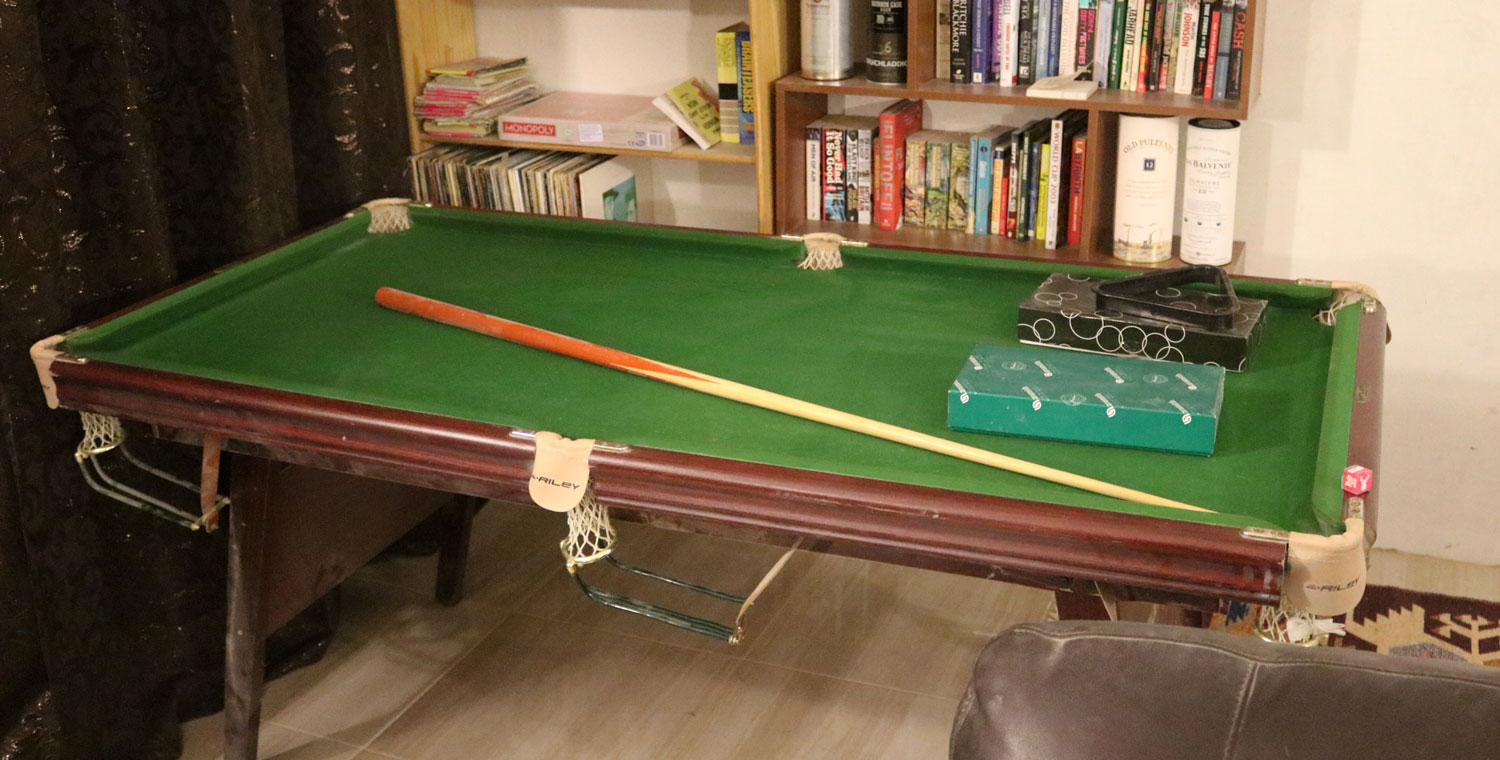 Old School In Bulgaria Last Regular Update For A While - Old school pool table