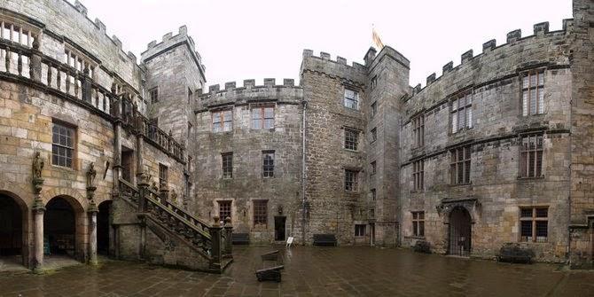 Kastil Paling Berhantu