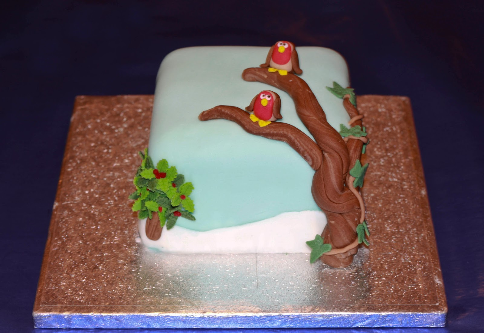 Square Xmas Cake Designs : The Cake Trail: Christmas Cake