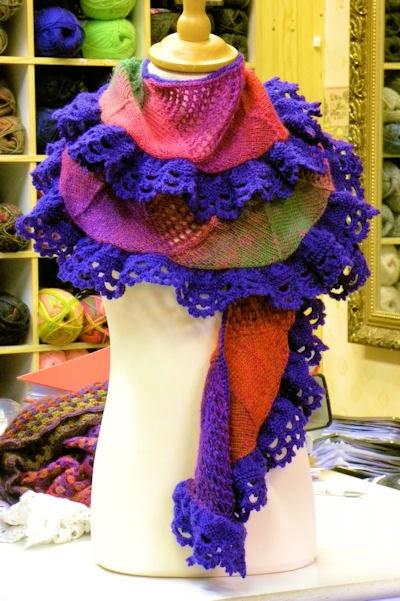 Romantische sjaal met ruches