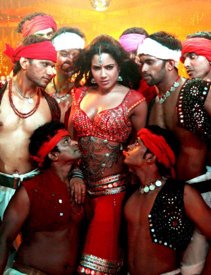 Sameera Reddy's item number in Chakravyuh