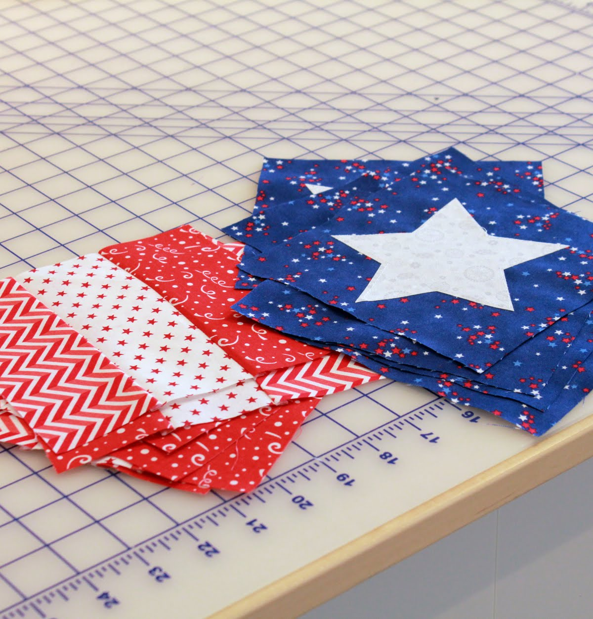 A Bright Corner: Stars and Stripes table runner -Free PDF Pattern!