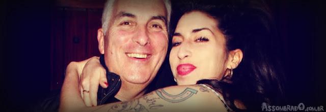 Pai de Amy Winehouse diz que falou com cantora após ela ter morrido