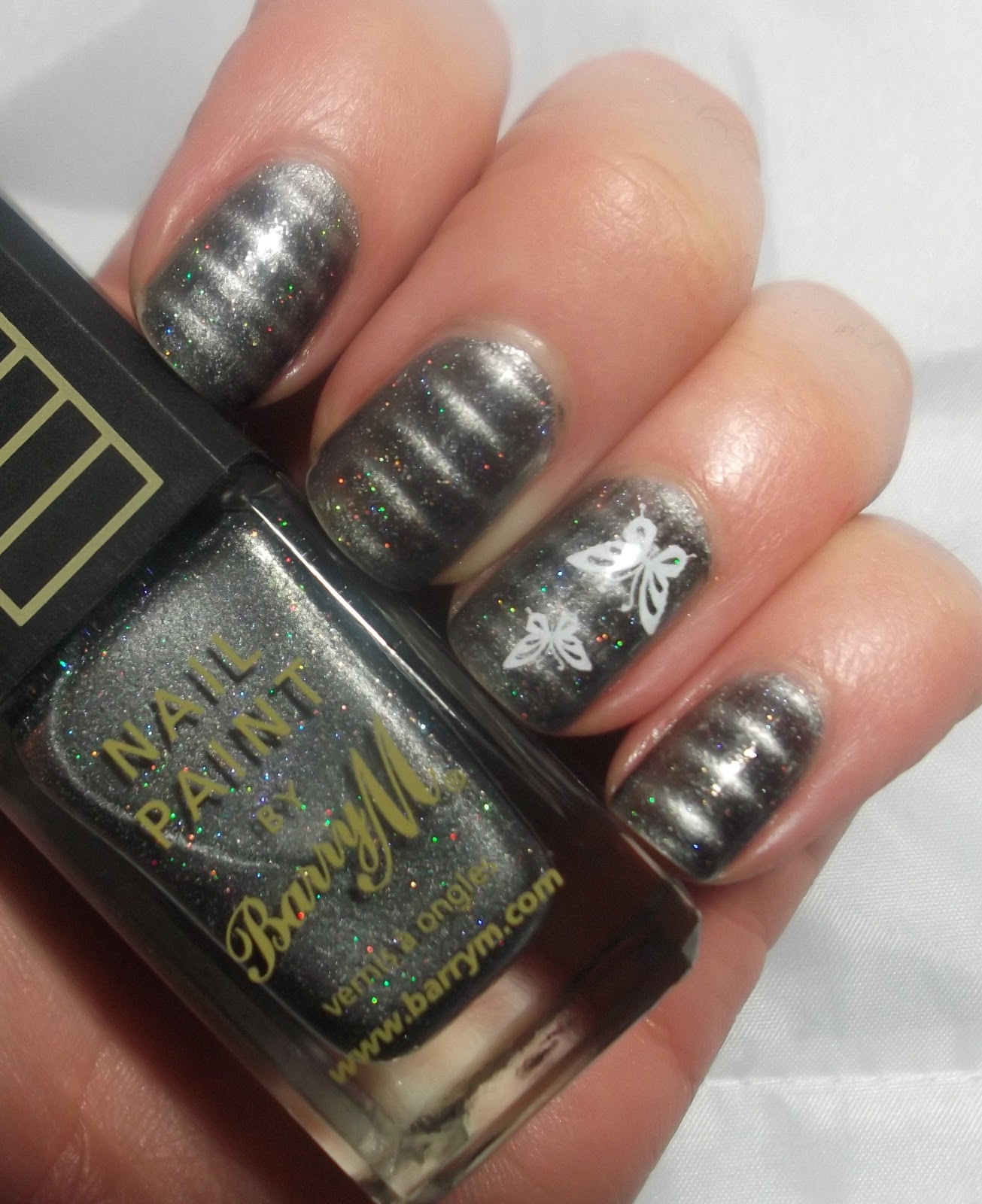 Lou is Perfectly Polished: Magnetic Nails - Grey