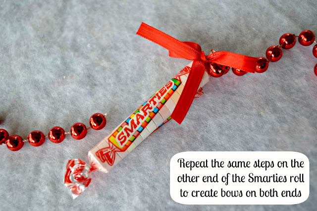 Mommy Testers #IAmASmartie Smarties Christmas Garland  DIY Craft Step 5