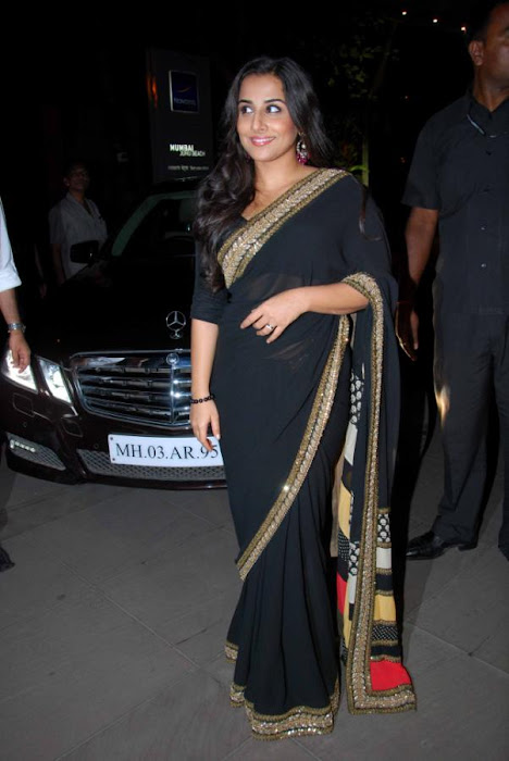 Vidya Balan in Black Saree Photos at kahaani movie success party glamour  images