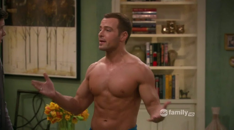 Joey Lawrence Shirtless in Melissa &amp; Joey s2e04