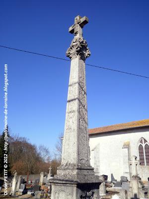 La croix du cimetière de Vitrey
