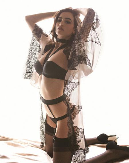 Sarah Stephens sexy ịn lingerỉe