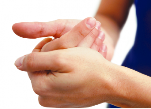 Saiba por que temos o hábito de estalar os dedos