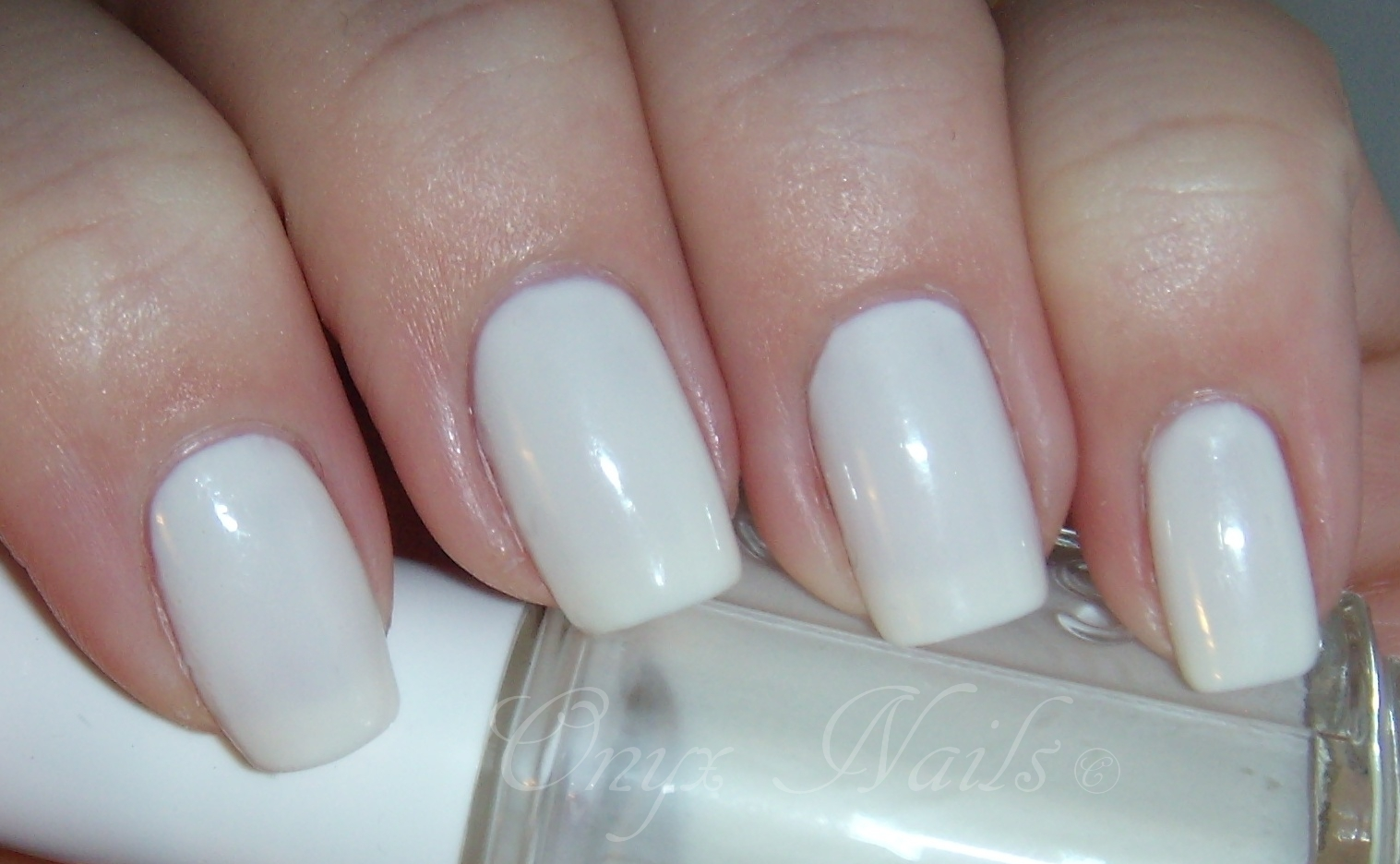 Onyx Nails: Essie Marshmallow Swatch And Review