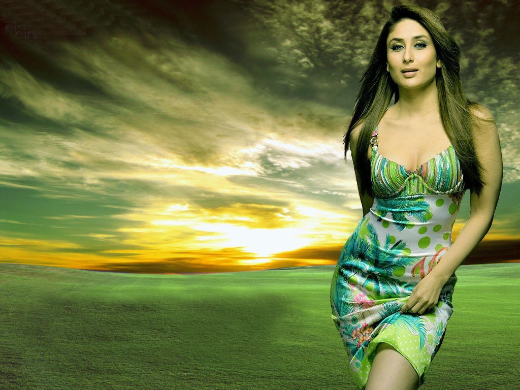 http://4.bp.blogspot.com/-W3YjVMHLLhw/TeYzbjGF9rI/AAAAAAAAFEA/mTB7T_3SBys/s1600/ccilona.blogspot.com-The-best-top-desktop-kareena-kapoor-wallpapers-hd-kareena-kapoor-wallpaper-12.jpg