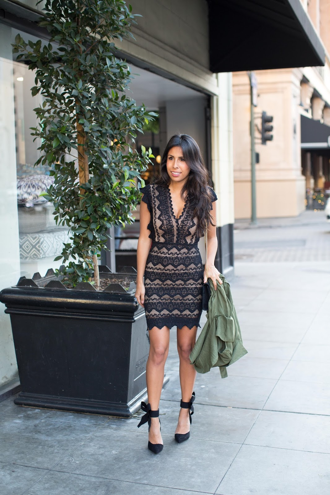what to wear to holiday party, bow shoes, nightcap lace dress, the stylist la, holiday lbd,