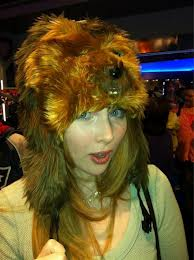 • MFPOMN - My Favorit Picture Of My Neighbour - Page 5 Molly+quinn+wookie+hat
