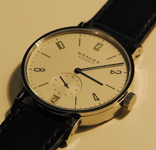 Photo Montre Nomos Tangomat Date Baselworld